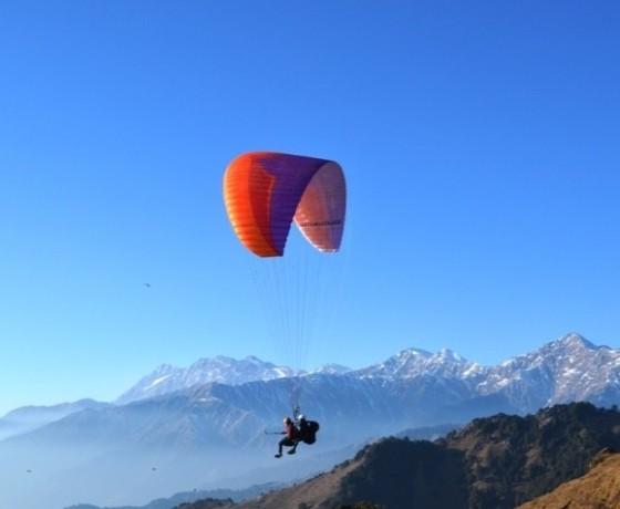 Bir Billing paragliding session