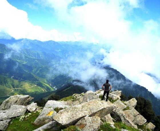 guide to Bir Billing, Bir Billing, Trekking to Hanuman garh and paragliding