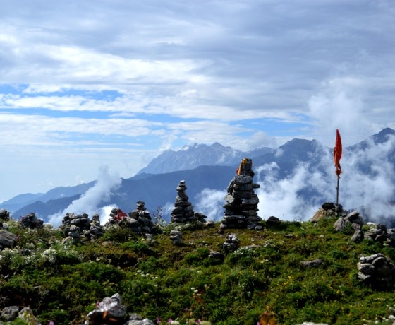 Hanuman garh trekking at Bir Billing and paragliding