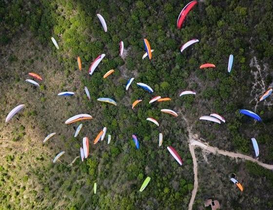 Tandem paragliding session at Bir